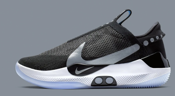 best sneakers 8bfb2 7f11c Nike has finally achieved its decade-long dream  an auto-lacing smart shoe